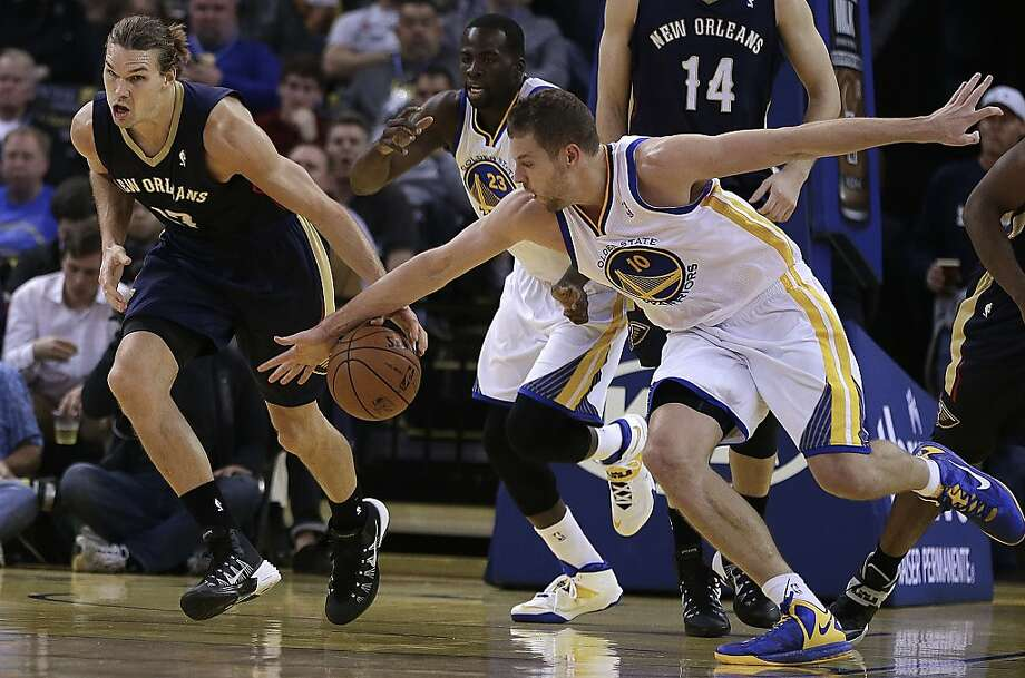 David Lee's recent upgrade includes his two steals Tuesday against Lou Amundson and the Pelicans. Photo: Ben Margot, Associated Press