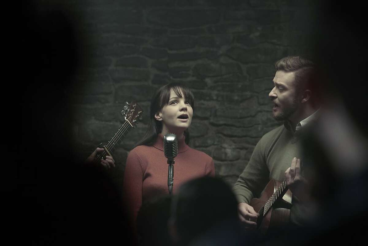 Carey Mulligan and Justin Timberlake (left to right) in Joel and Ethan Coen?•s INSIDE LLEWYN DAVIS.
