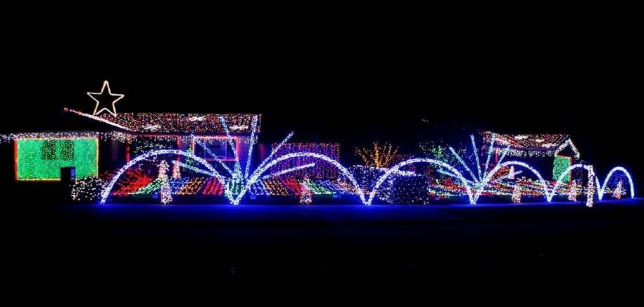 1401-1405 Glacier Dr. San Jose, Santa Clara County, 95118 - 1401 and 1405 have over 75,000 lights synchronized to several songs with 240 separate channels. The songs FM transmitter is set to 104.1 FM. Photo: Lightsofthevalley.com