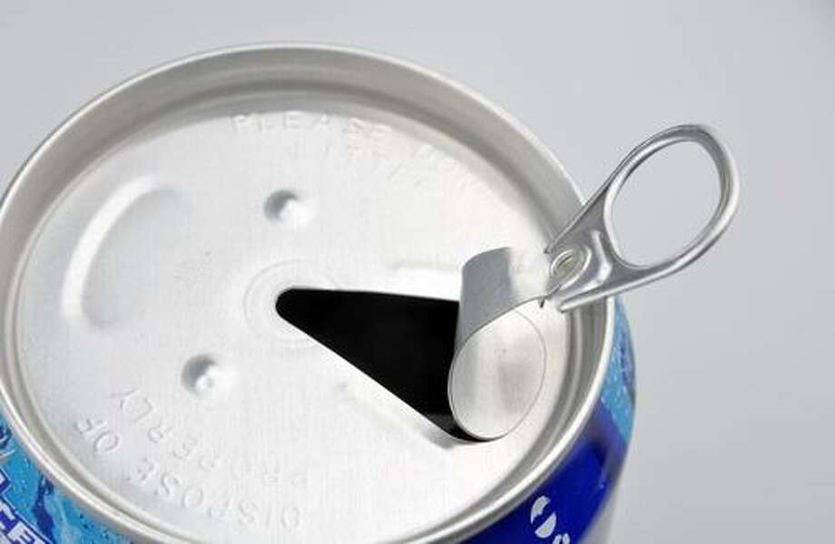 Soda cans with pull tabs (Shutterstock / Lianxun)