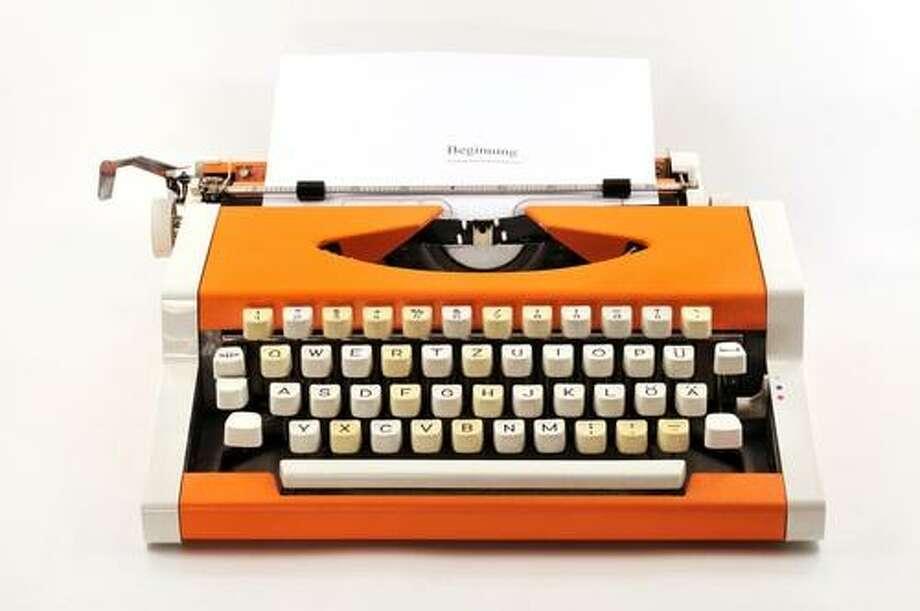 Typewriters (Shutterstock / Ben44)