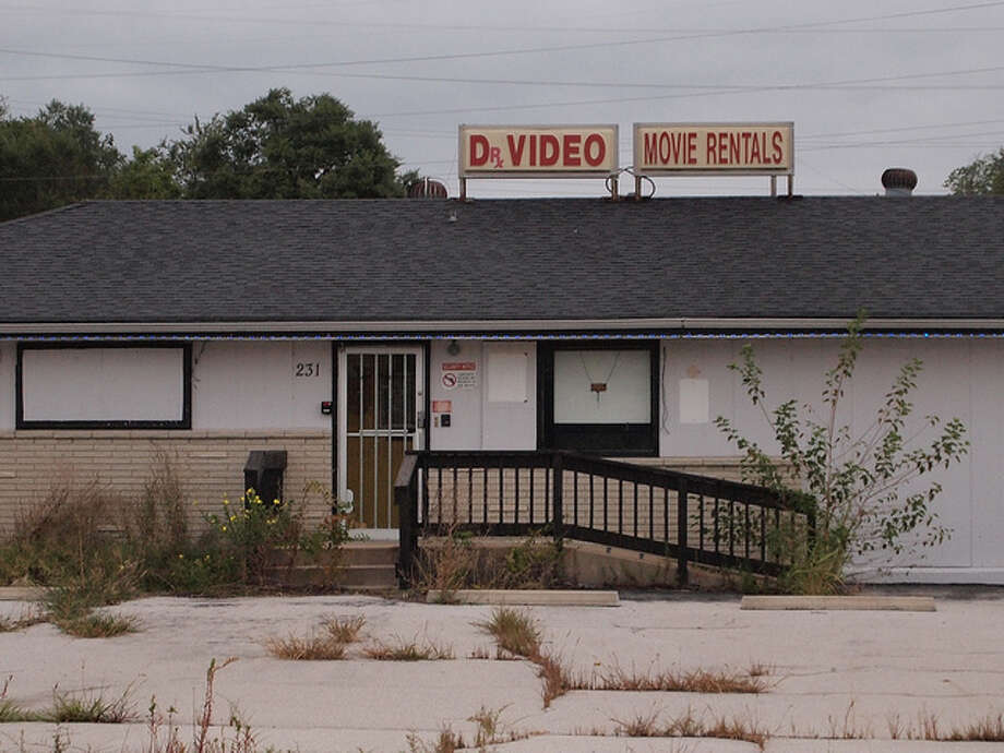 Video rental stores (Flickr / Wampa)