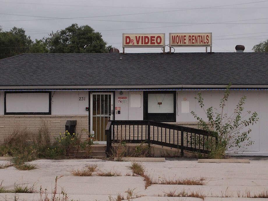Video rental stores (Flickr / Wampa)