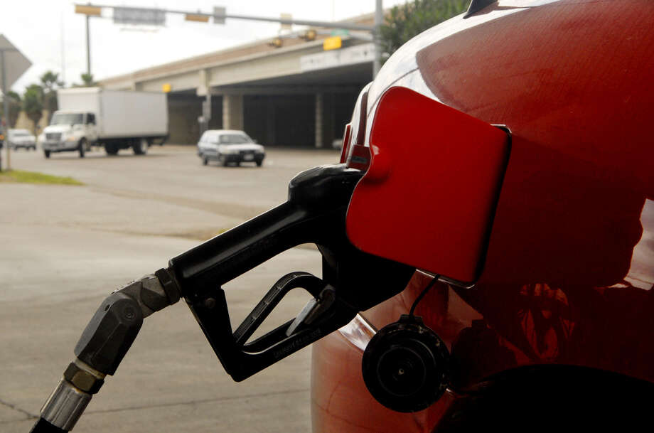 Falling U.S. gas prices are nearing the low for the year: $3.18, set last month. In some states, the average price is less than $3. In Texas, it's $3.04; in San Antonio, it's $3.03. Photo: Associated Press File Photo / BROWNSVILLE HERALD