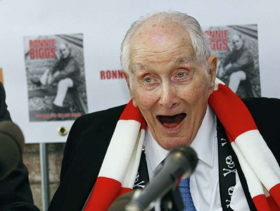 "Shown at the 2011 release of his autobiography, ""Odd Man Out: The Last Straw,"" Ronnie Biggs was one of Britain's most famous criminals. Photo: Kirsty Wigglesworth / Associated Press / AP"