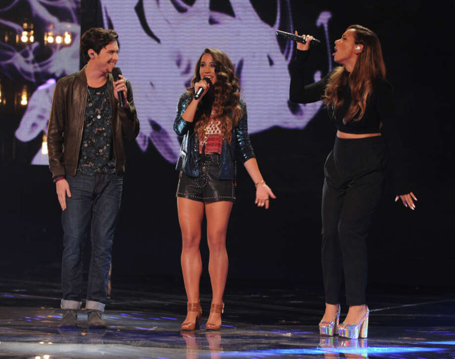 THE X FACTOR: ALEX & SIERRA and Leona Lewis perform together on THE X FACTOR airing Wednesday, Dec. 18 (8:00-10:00 PM ET/PT) on FOX.  CR: Ray Mickshaw / FOX. / 1