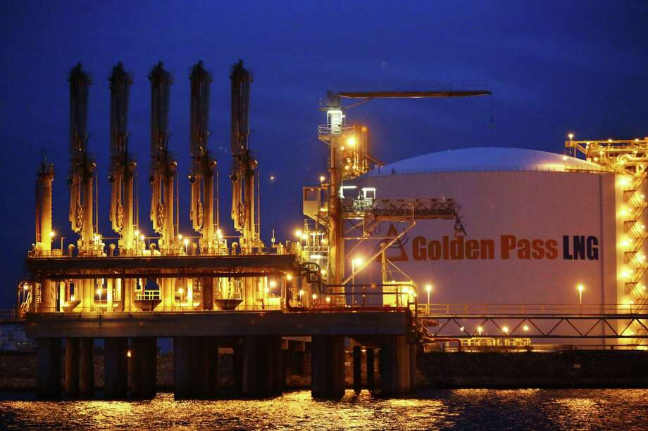 View of the Golden Pass LNG storage tanks and cargo transfer arms at Port Arthur in Sabine Pass, Wednesday, Dec. 11, 2013. ( Marie D. De Jesus / Houston Chronicle ) Photo: Marie D. De Jesus, Staff / © 2013 Houston Chronicle