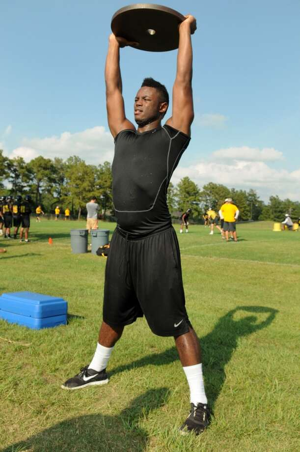 LB Ja' Von Shelley  Height/weight: 6-3, 220  High school: Klein Oak  College: Houston Photo: Jerry Baker, For The Chronicle