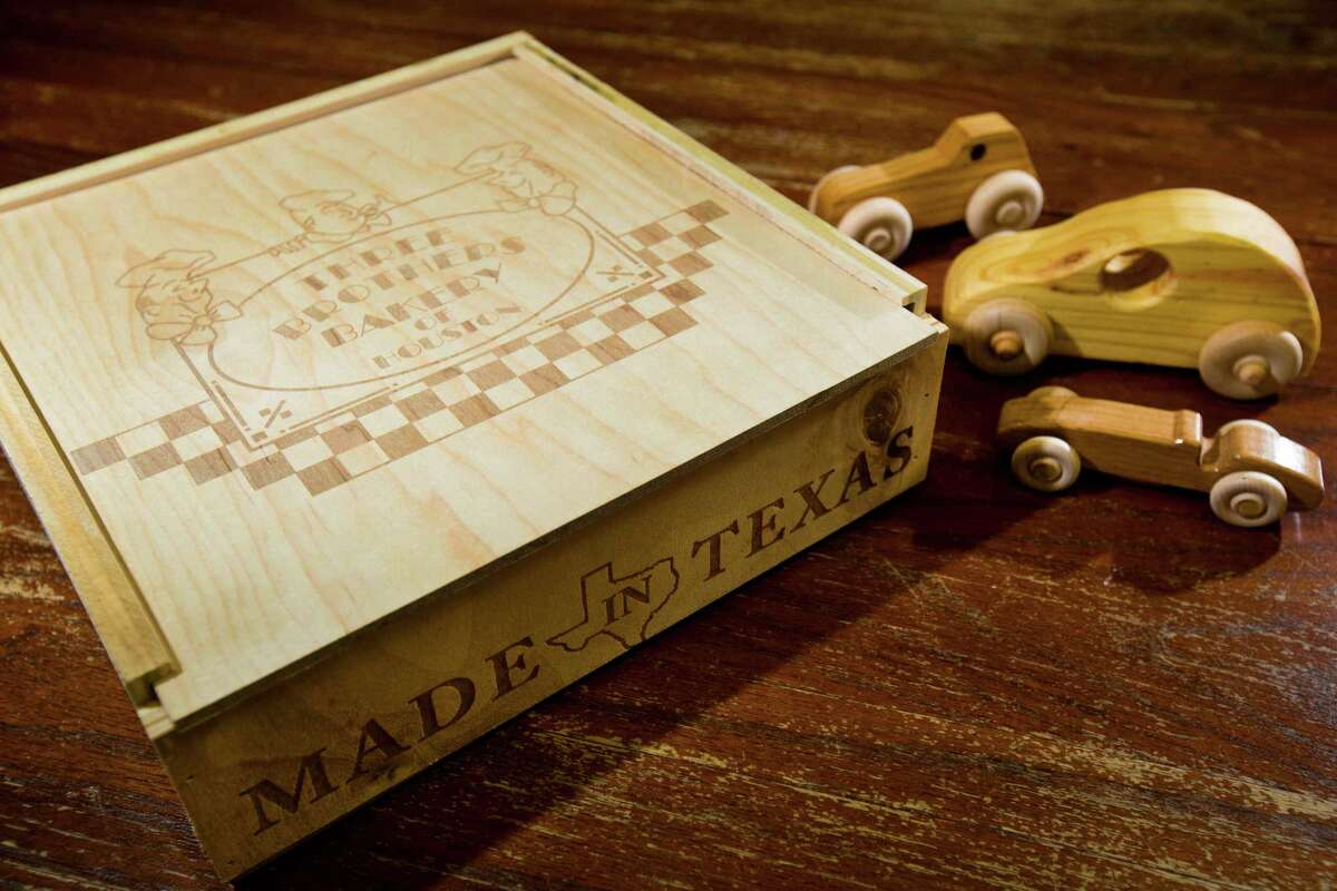 The Woodworkers Club of Houston makes pie boxes for Three Brothers Bakery and uses proceeds from their sale to build toys for kids.