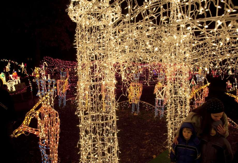 Dickinson Festival of Lights Photo: Johnny Hanson, Houston Chronicle
