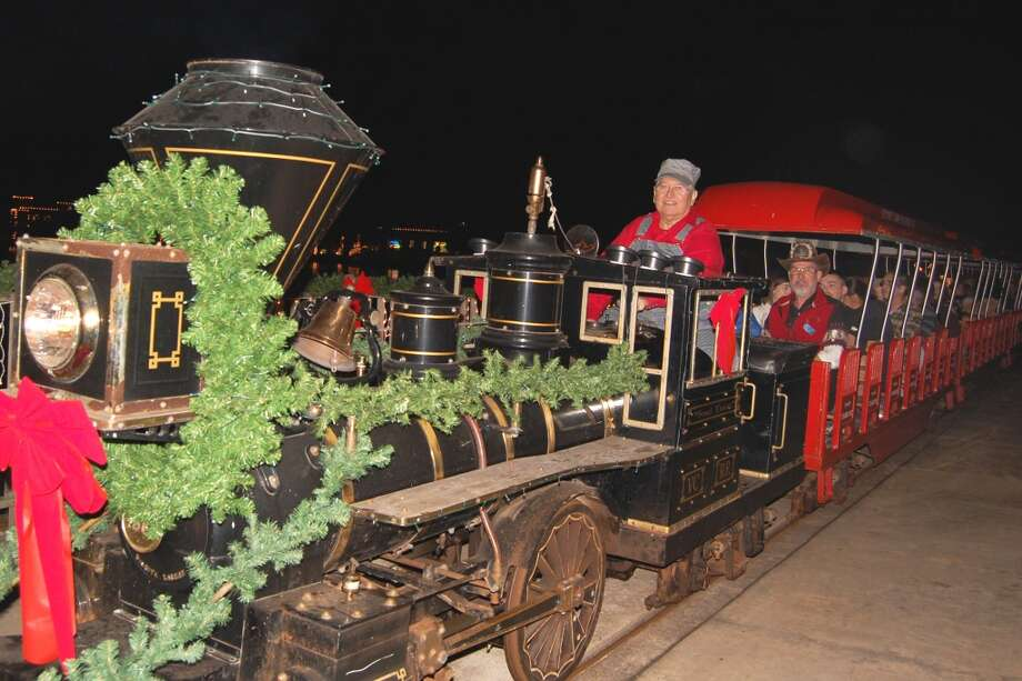 Victory Camp's Christmas Train in Alvin Photo: Wendy Rudnicki, For The Chronicle