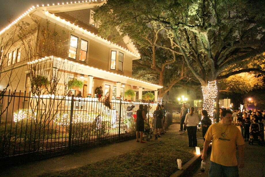 Sight-see in Houston neighborhoodsOngoingClick here to take a lookat which neighborhoods are the best for seeing Christmas lights, including River Oaks and Woodland Heights (pictured above.) Photo: Bill Olive