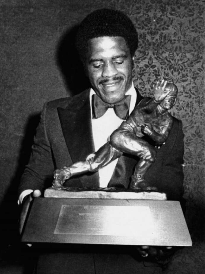 The Tyler Rose, Earl Campbell, claimed the 1977 Heisman.