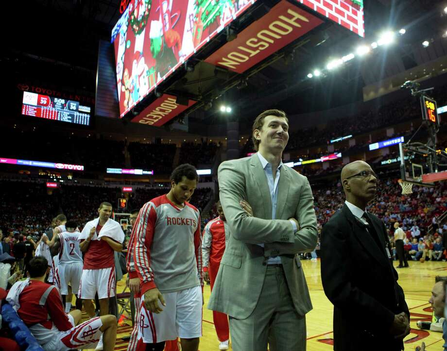 Omer Asik was smiling Wednesday, but was that the case Thursday after the Rockets didn't trade him? Photo: Marie D. De Jesus, Staff / © 2013 Houston Chronicle