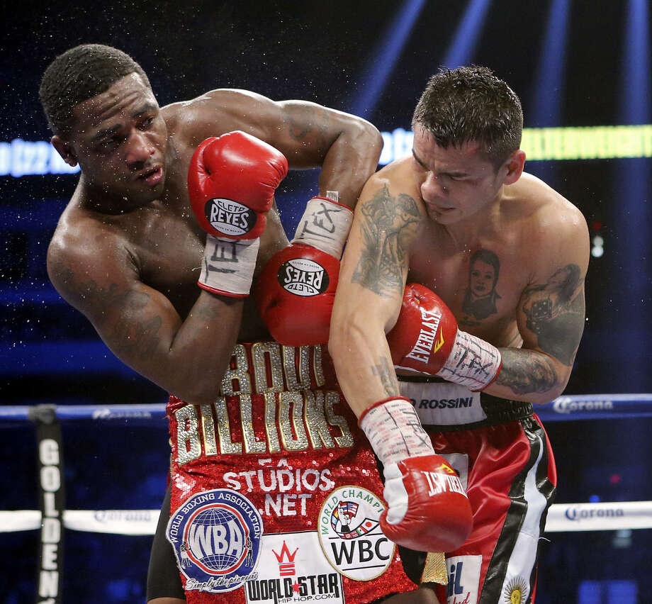 Marcos Maidana (right) exposed Adrien Broner's lack of defense in a lively bout last Saturday at the Alamodome. Photo: Edward A. Ornelas / San Antonio Express-News / © 2013 San Antonio Express-News