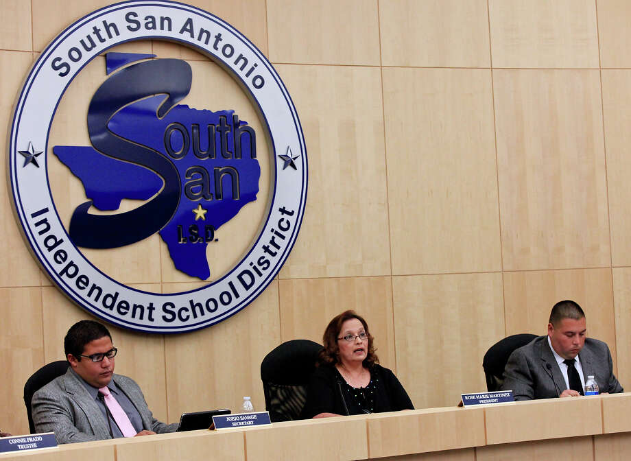 No amount of window dressing can camouflage the highly political and dysfunctional operations of the South San Antonio ISD board. Photo: Express-News File Photo / © 2013 San Antonio Express-News