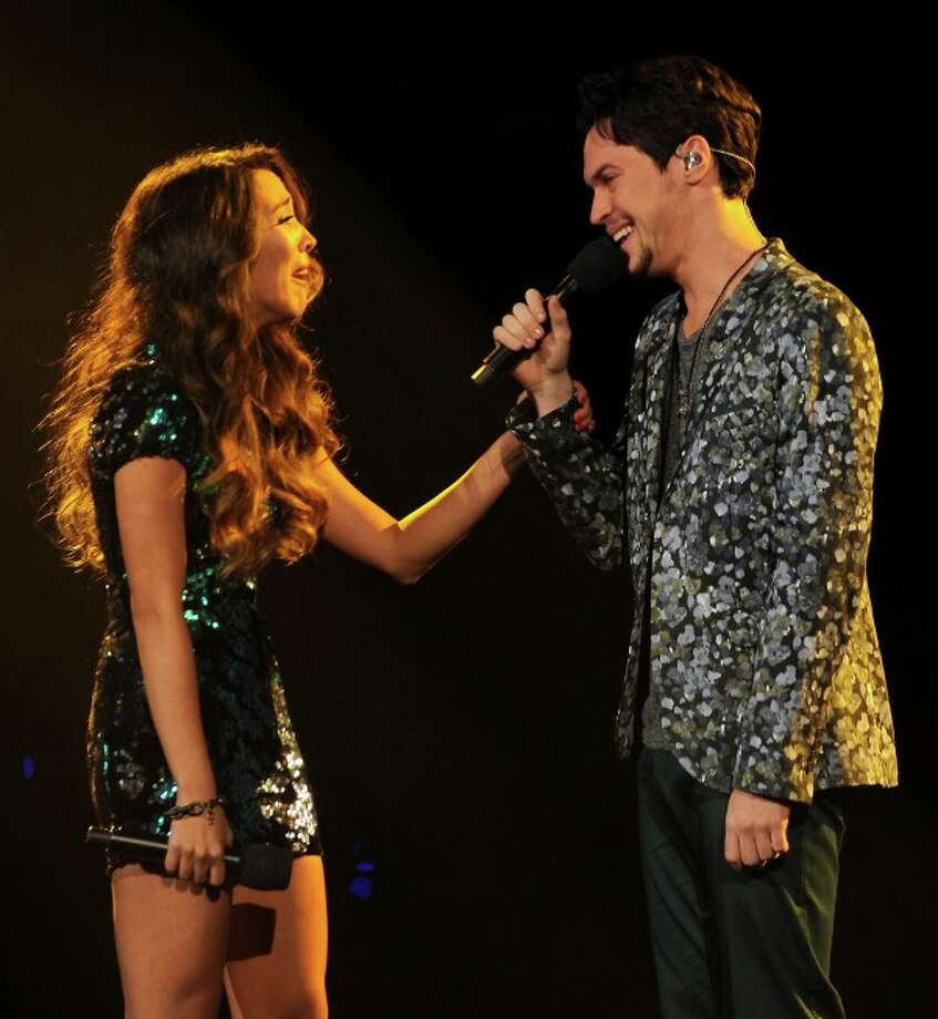THE X FACTOR: Finale: Alex & Sierra win THE X FACTOR airing Thursday, Dec. 19 (8:00-10:00 PM ET/PT) on FOX. CR: Ray Mickshaw/ FOX.