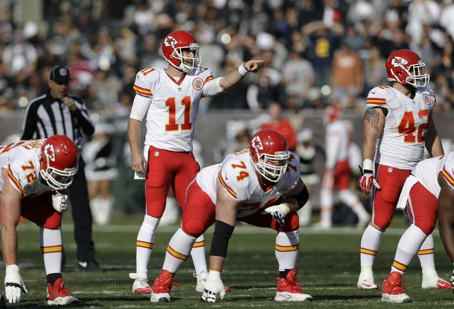 Indianapolis (9-5) plus - 7 at Kansas City (11-3): Chiefs 27-24 Photo: Marcio Jose Sanchez, Associated Press