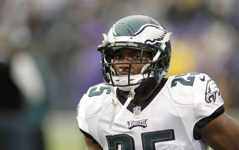 Chicago (8-6) plus - 3 at Philadelphia (8-6): Eagles 30-28 Photo: Andy King, Associated Press