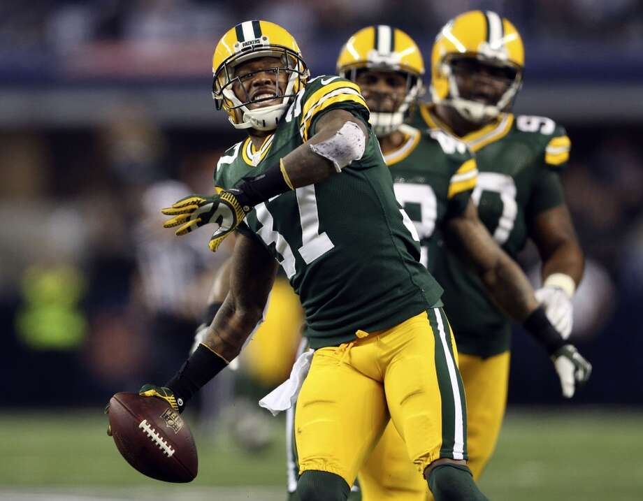 Pittsburgh (6-8) no line at Green Bay (7-6-1): Packers 20-17 Photo: Vernon Bryant, McClatchy-Tribune News Service