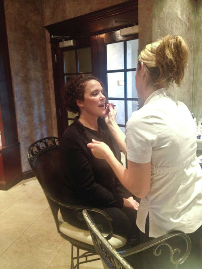 Samantha getting her makeup done at Kimberley's A Day Spa Photo: Photo: © Brianna Snyder/HealthyLife