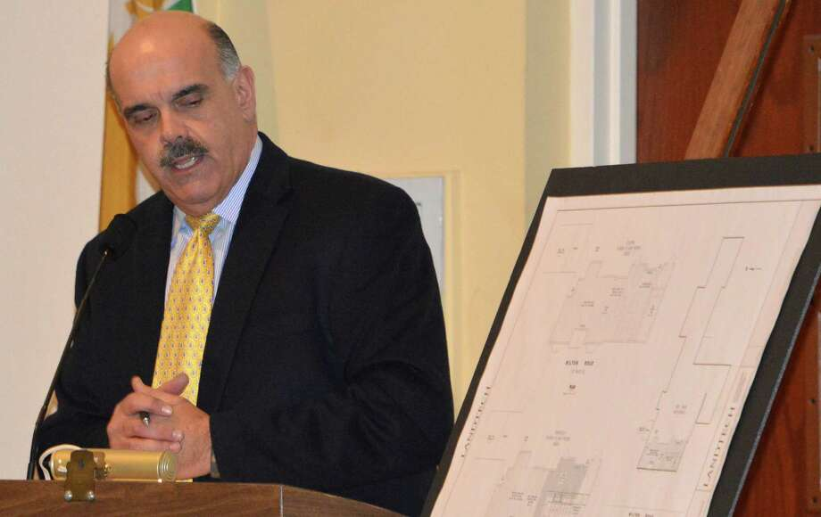 Pete Romano, principal with Land-Tech Consultants, makes a presentation to the Planning and Zoning Commission on the Red Barn restaurant's behalf on an application to open a patron bar. Photo: Jarret Liotta / Westport News contributed