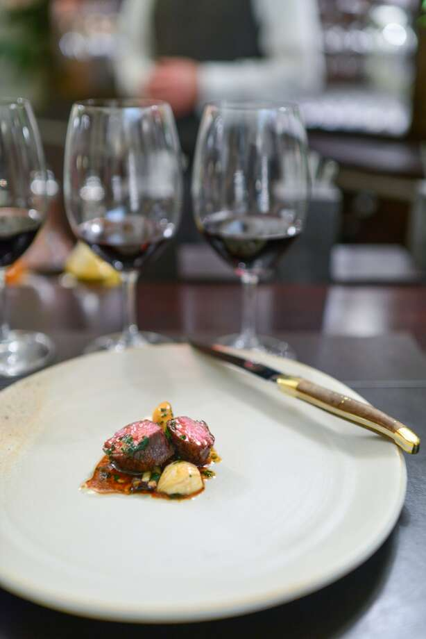 9th Course: Beef, fermented turnips, wild mushrooms. (The Restaurant at Meadowood) Photo: Bonjwing Lee Photography
