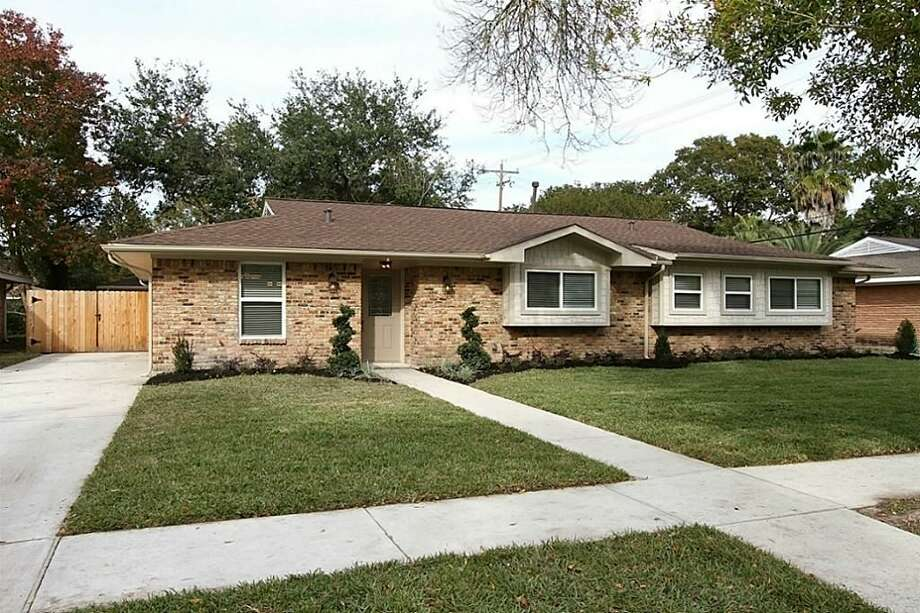 5802 Belrose: This 1960 home has 4 bedrooms, 2 bathrooms, and 1,848 square feet. Open house: 12/22/2013, 2 p.m. to 4 p.m.