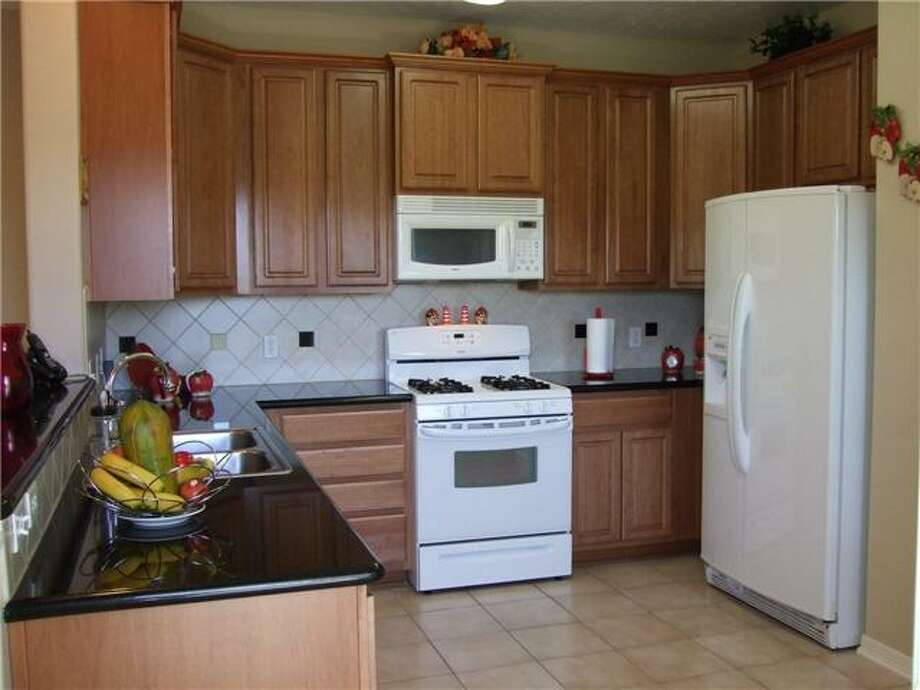 2865 Westhollow: This 2008 condo has 3-4 bedrooms, 2.5 bathrooms, and 2,504 square feet. Open house: 12/22/2013, noon to 2 p.m.
