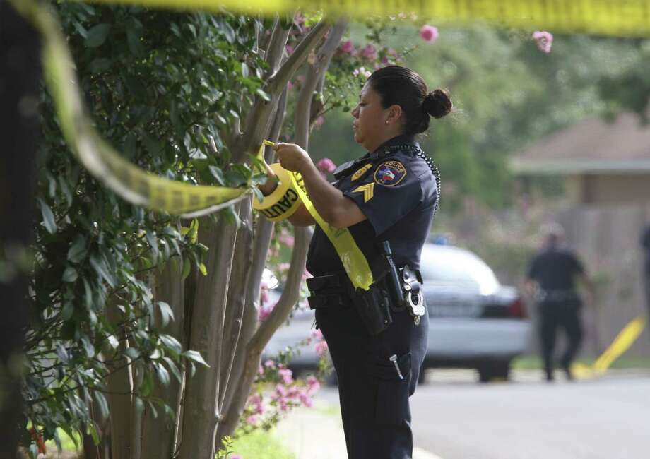 Some 2,332 burglaries were reported in unincorporated parts of Bexar County this year. Photo: File Photo / rowen@express-news.net