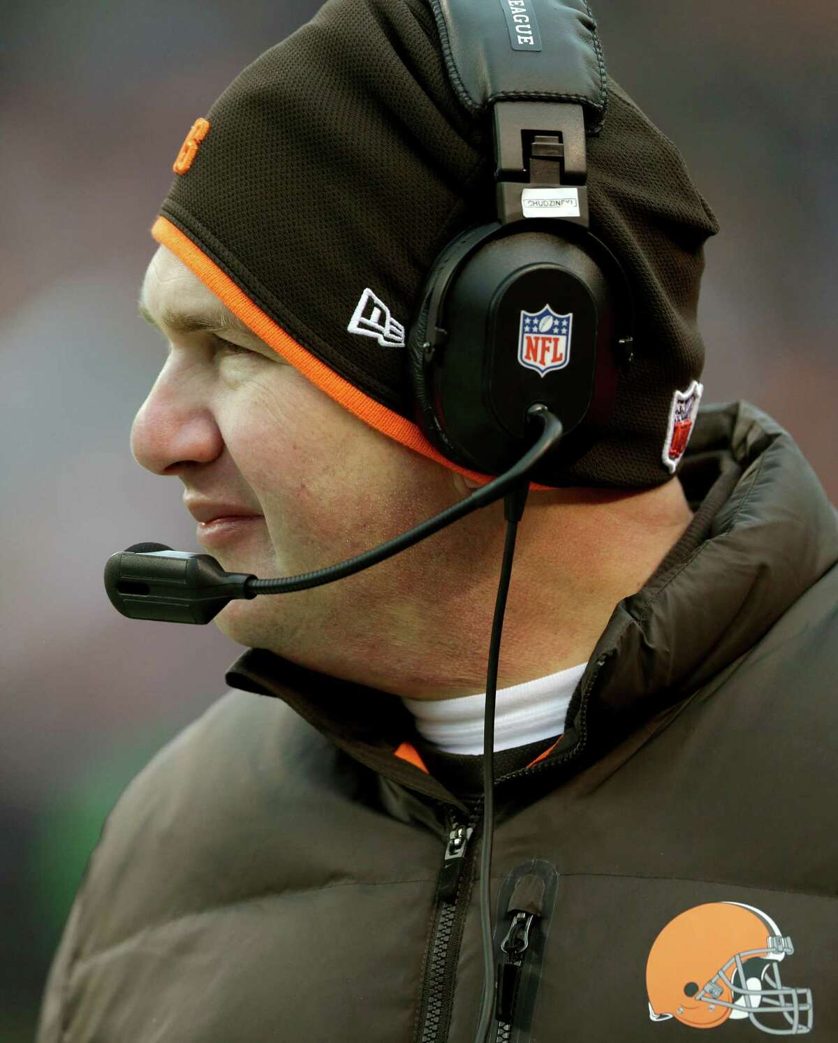 Cleveland Browns head coach Rob Chudzinski looks on from the sidelines in the fourth quarter of an NFL football game against the Chicago Bears, Sunday, Dec. 15, 2013, in Cleveland. (AP Photo/Tony Dejak) ORG XMIT: CDS121