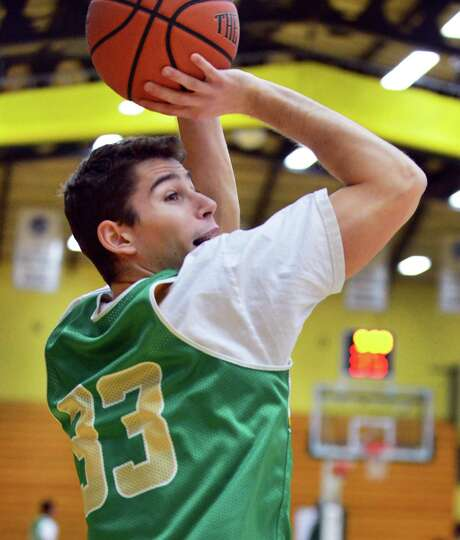 Siena's Rob Poole during practice Saturday Dec. 21, 2013, in Colonie, NY.  (John Carl D'Annibale / T