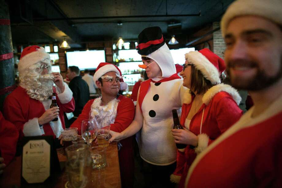 Frosty made an appearance in The Lodge Sports Grille. Photo: JOSHUA TRUJILLO, SEATTLEPI.COM / SEATTLEPI.COM