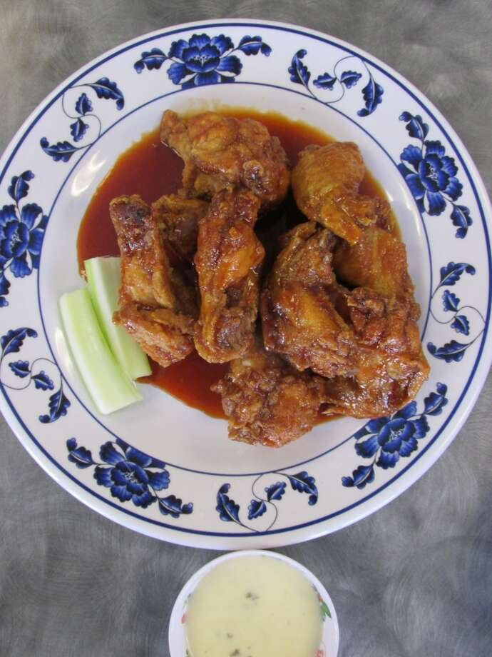 The hot wings (#6) at Pho Ha in Nederland. Photo: Cat5