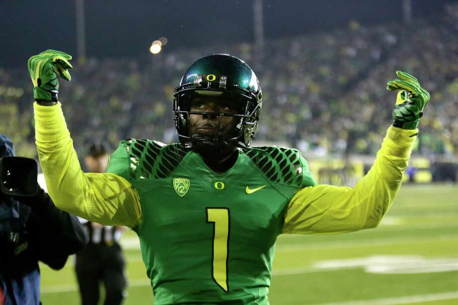 Oregon receiver Josh Huff is shown during an NCAA college football game against Oregon State in Eugene, Ore., Friday, Nov. 29, 2013. (AP Photo/Don Ryan) Photo: Don Ryan, Associated Press / AP