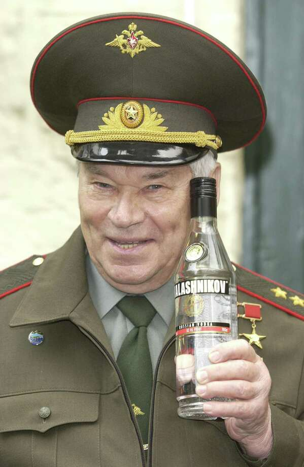 2004: Lieutenant-General Mikhail Kalashnikov inventor of the famous Kalashnikov AK-47 rifle at the launch of Kalashnikov Vodka at Boisdale of Belgrave, London. Photo: Photoshot, Getty Images / Hulton Archive
