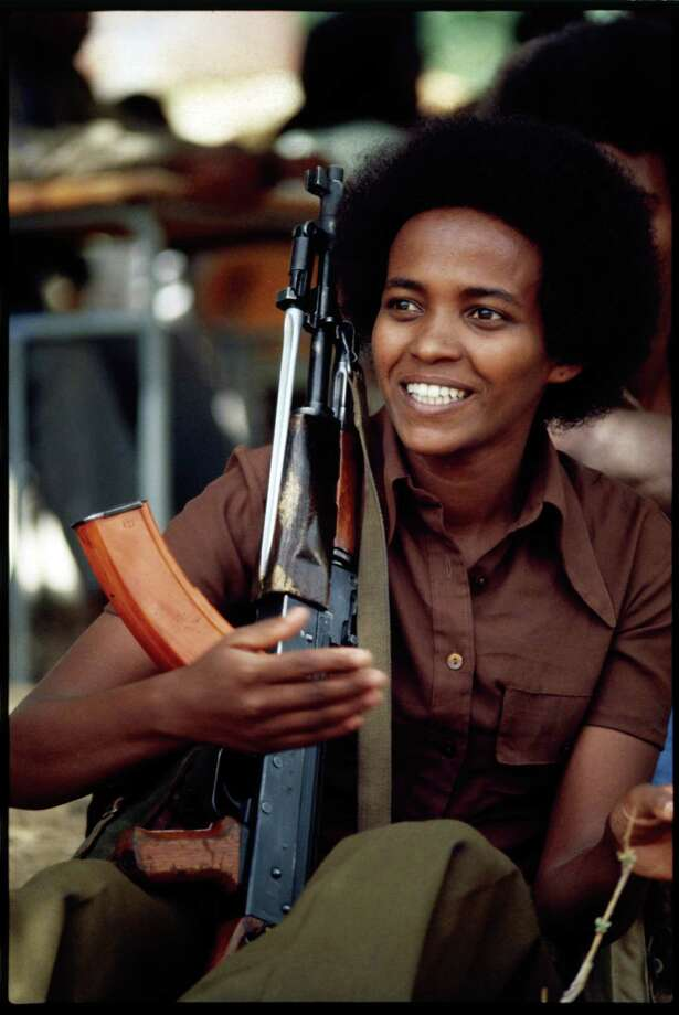 1978: Armed with an AK-47 assault rifle, an Eritrean People's Liberation Front fighter waits for orders to move to the frontline. Photo: Alex Bowie, Getty Images / © Alex Bowie