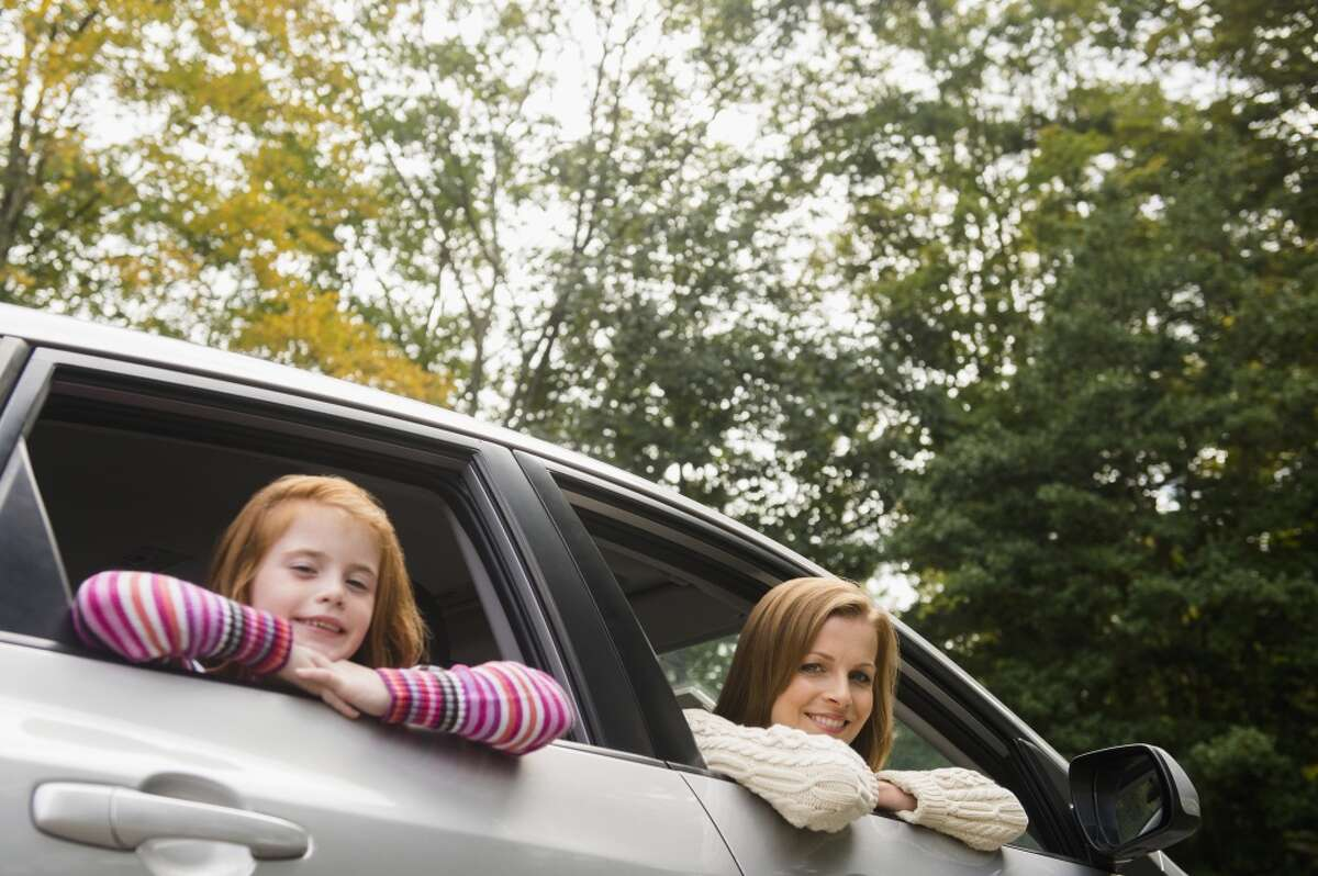 Whether you're heading out for a romantic weekend getaway or driving to Disney with a minivan full of kids, don't let your road trip derail your diet. Here's how to eat healthy along the way: