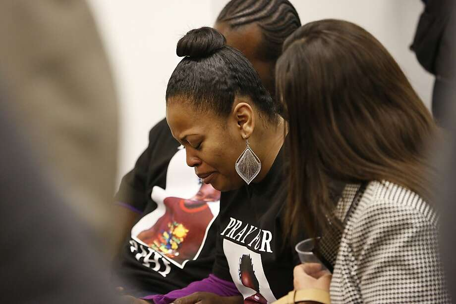 Jahi McMath's mom, Nailah Winkfield, cries in court. Photo: Stephen Lam, Special To The Chronicle