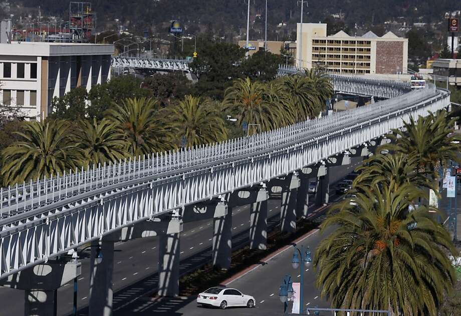BART's 3.2-mile Oakland Airport Connector will link the airport and the Coliseum/Oakland Airport Station. Photo: Paul Chinn, The Chronicle