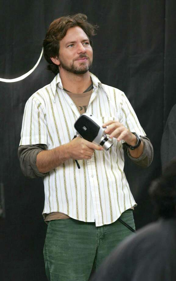 2004: Vedder's love of anachronistic cameras spans the ages. Photo: KMazur, Getty Images / WireImage