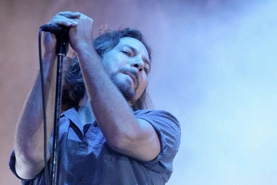 2010: Vedder goes Italian. Photo: Barbara Zanon, Getty Images / 2010 Barbara Zanon