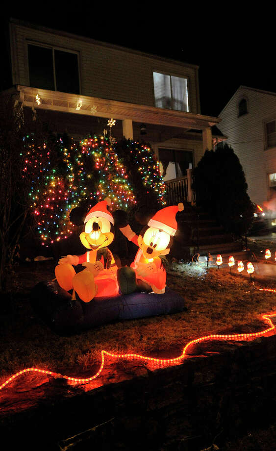 This house displays their Christmas lights along Knickerbocker Avenue in the Springdale section of Stamford, Conn. Photographed on Monday, Dec. 23, 2013. Photo: Jason Rearick / Stamford Advocate