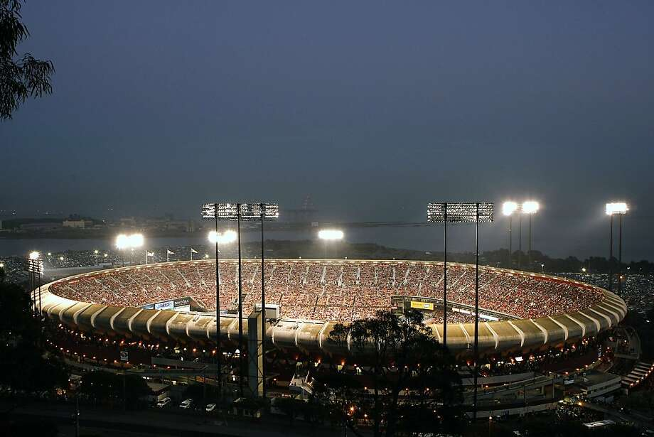 A general view of the stadium as the San Francisco 49ers play the Atlanta Falcons during a Monday Night Football game which will be the last regular season game to be held at Candlestick Park in San Francisco, CA, Monday, December 23, 2013. Photo: Michael Short, The Chronicle