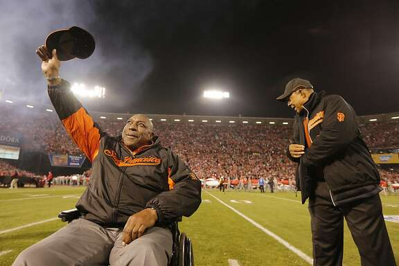 Former San Francisco Giants stars Willie McCovey, left, and Willie Mays participate in the pregame ceremony before the game between the San Francisco 49ers and Atlanta Falcons at Candlestick Park on Monday December 23, 2013 in San Francisco, Calif.