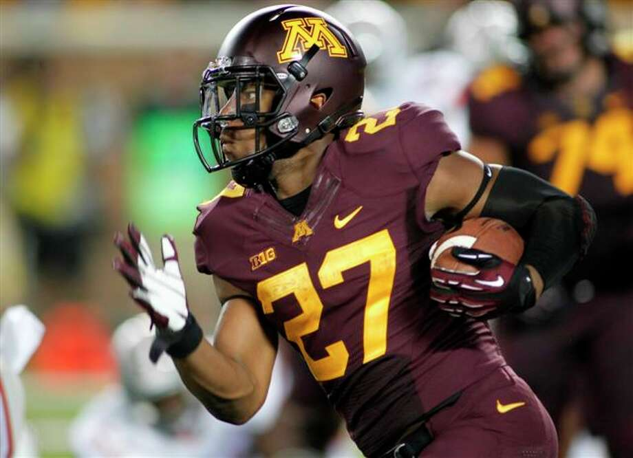 David Cobb of Killeen, one of 12 Texans for Minnesota, is the school's first 1,000-yard rusher since 2006.