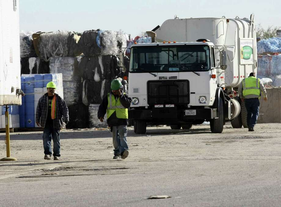 A worker at an East Side recycling center found a dead infant in a duffel bag while sorting items on a conveyor belt. The baby was believed to be between 1 and 10 days old. Photo: Helen L. Montoya, SAN ANTONIO EXPRESS-NEWS / SAN ANTONIO EXPRESS-NEWS