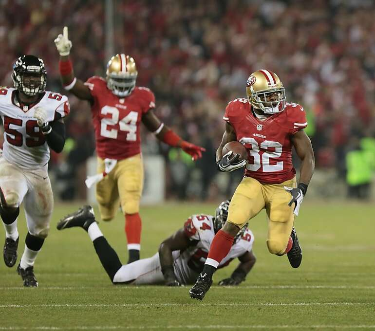 San Francisco 49ers running back Kendall Hunter (32) runs for 45 yards in the 4th quarter against the Atlanta Falcons on Monday, Dec. 23, 2013 in San Francisco, Calif. Photo: John Storey, For The Chronicle