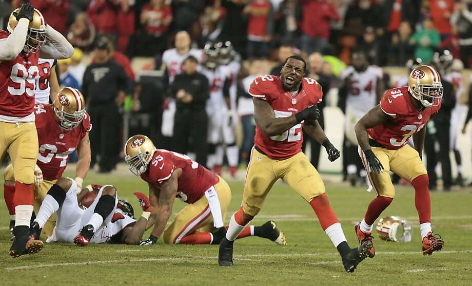 Patrick Willis, who had 18 tackles, had cause for celebration as the 49ers closed Candlestick Park with a thrilling victory. Photo: John Storey, For The Chronicle