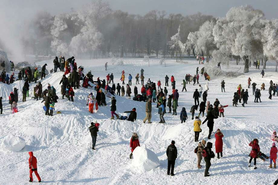 Sun Island Park proved to be a perfect winter setting.  Photo: Hong Wu, Getty Images / 2013 Hong Wu
